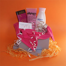 Pamper gifts for her, chocolate pamper gift ideas, UK chocoalte delivery
